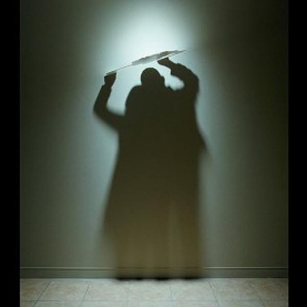 Картинки игра теней. Теневой силуэт мужчины и женщины