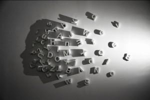 Картинки игра теней. Тень - профиль головы человека, получившийся из теней от букв
