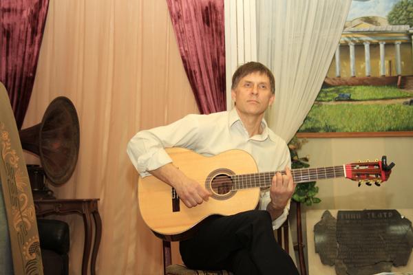 Александр Гаджиев в музее, фото Светланы Фонфрович