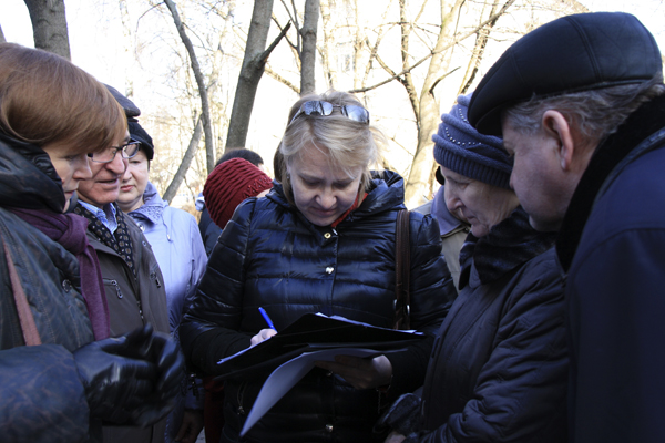 Малаховка ЖКХ, сбор подписей против завышенных тарифов, фото Светланы Фонфрович