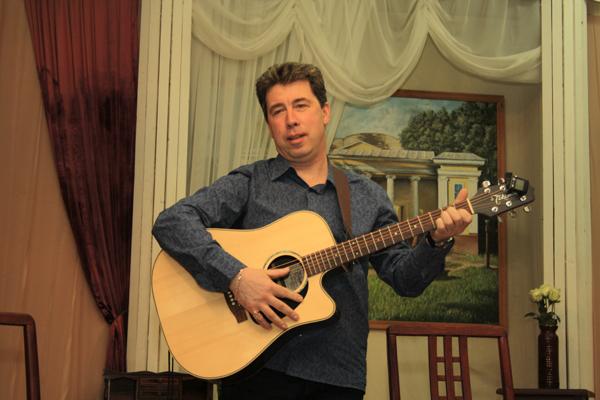 Поэт и бард Сергей Леонтьев, фото Светланы Фонфрович