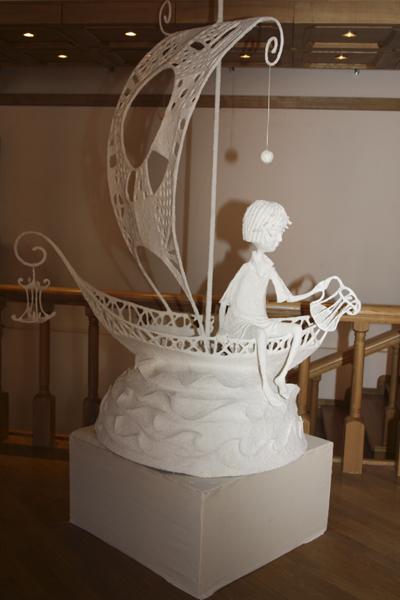 Инсталляция из шёлка и папье-маше. Фото Светланы Фонфрович.
