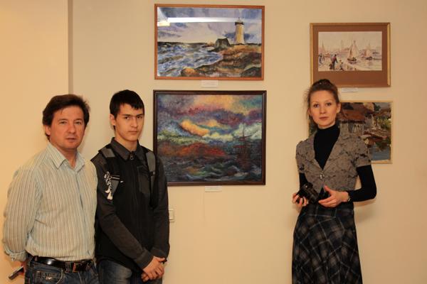 Педагоги и ученики стыдии Рисуем, фото Светланы Фонфрович.
