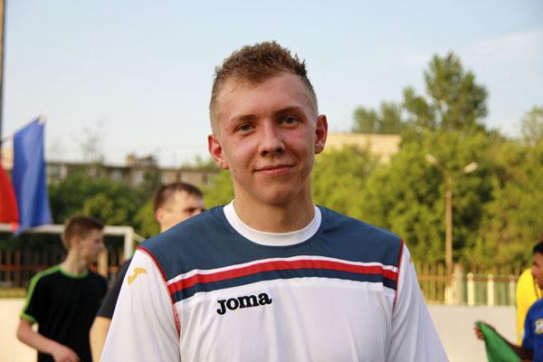 Футбол в Малаховке - Руслан Шарипов, фото - Светлана Фонфрович