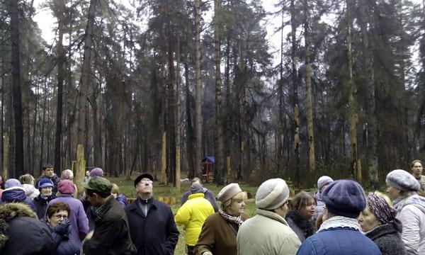 Рубка леса в Малаховке 2014, митинг в Плоховом