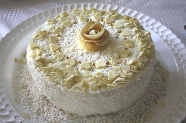 Торт безе с сердечками