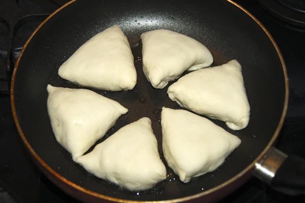 Жареные треугольники с мясом от @NoorySan