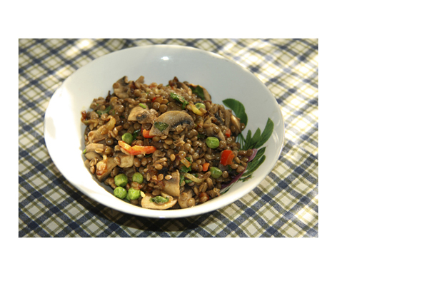 Чечевица с овощами и шампиньонами