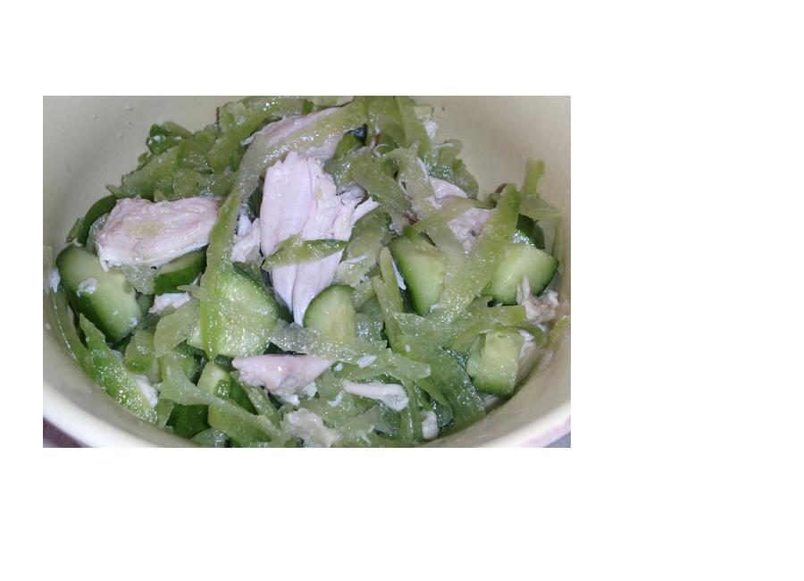 Салат из курицы с редькой