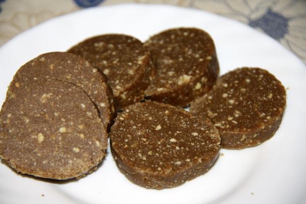 Колбаса-из-шоколада-от-@NoorySan.jpg