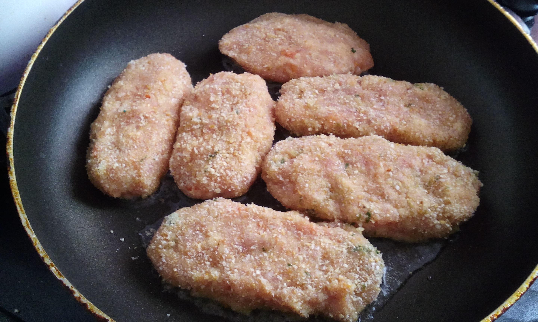 Рыбные котлеты в панировке рецепт
