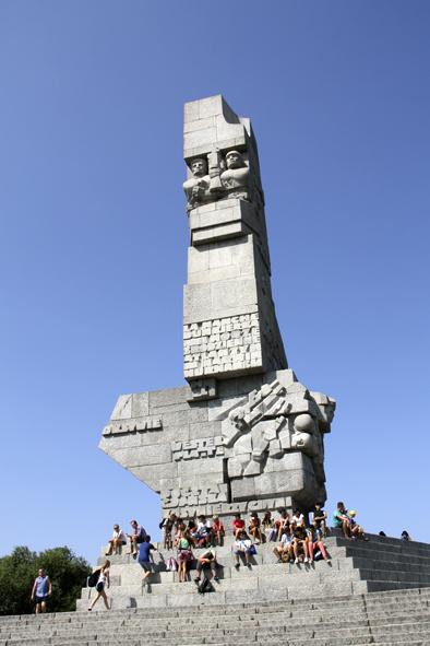 Монумент-Вестерплатте-фото-@Noorysan.jpg