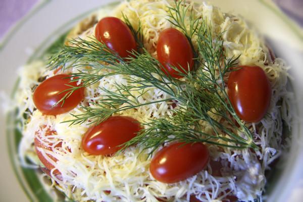 слоеный салат из овощей, слоеный салат с баклажанами, овощной салат на праздник