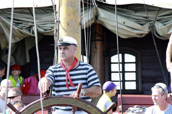 профессионал, капитан, штурвал, щхуна, парусник, капитан за штурвалом, корабль, капитан на мостике