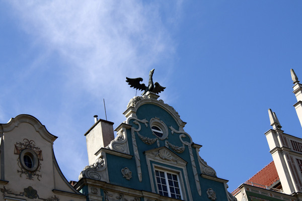 gdansk; гданьск; крыши; крыши гданьска; гданьск крыши; старинные крыши; дырявая крыша; гданьск польша; фото гданьск; гданьск фото, крыши старых домов, крыши в гданьске, крыши в польше, фото крыш, крыши картинки, старинные крыши картинки, старый гданьск, старый гданьск фото, что посмотреть в гданьске, водостоки, старинные водостоки, водосток на крыше, старинный водосток картинка, как устроен водосток, что делать в гданьске, архитектура гданьска, старинная архитектура европы