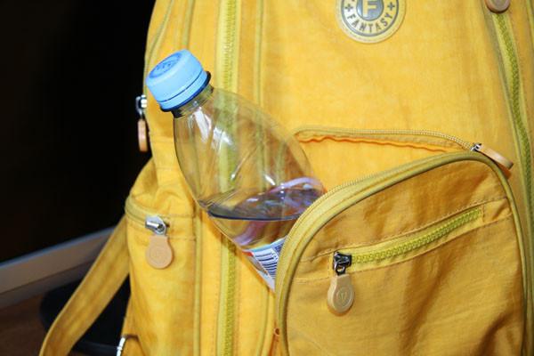 бутылка с водой, вода с собой, вода для красоты