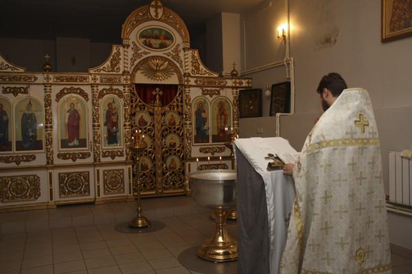 батюшка, священник, крещение, крещение младенцев