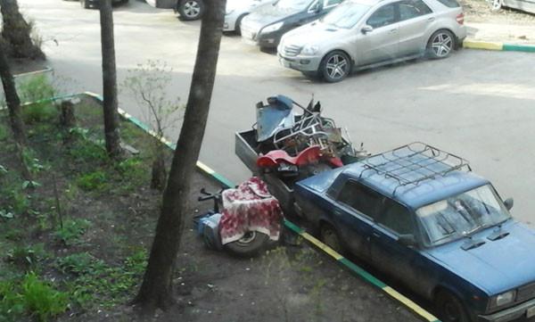 мусор на газоне, мусор в малаховке, вывоз мусора в малаховке