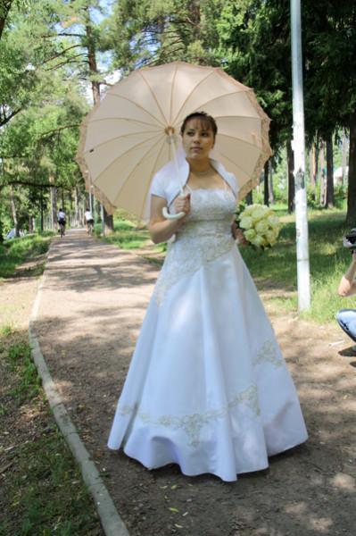 невеста под зонтом