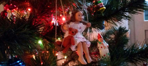 игрушка на елку лето